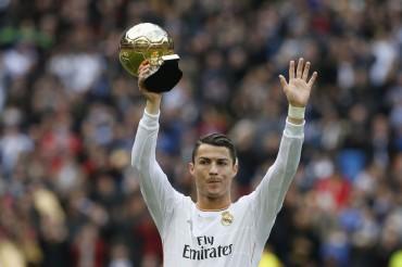 Cristiano ofreció su segundo Balón de Oro al Bernabéu