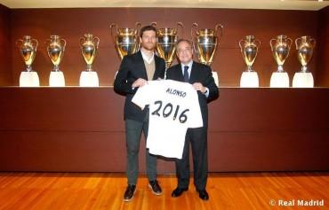 Xabi Alonso renueva por dos campañas más con el Madrid