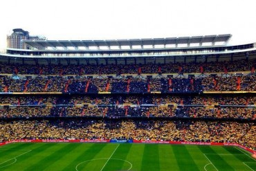 Ambiente de fiesta en el Bernabéu