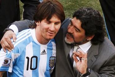 """Maradona: """"Si no ganamos el Mundial no culpemos a Messi"""""""