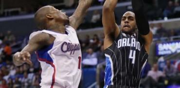 Clippers arrollan al Magic