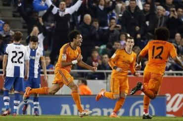 El Madrid sufre ante el Espanyol para apretar la pelea por la Liga