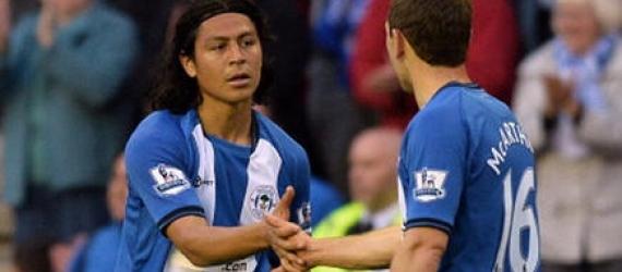 Roger Espinoza, ingresó de cambio en el triunfo del Wigan Athletic