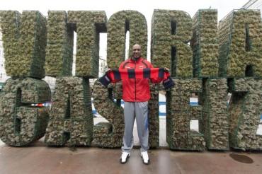 """Lamar Odom llegó a Vitoria: """"Soy muy feliz de estar aquí"""""""