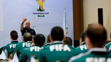 Seminarios para los árbitros y asistentes de la Copa Mundial
