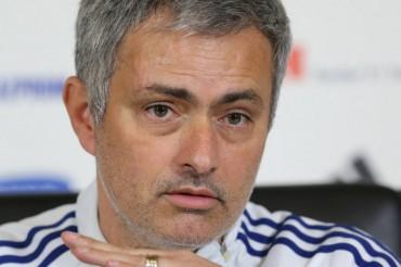 """Mourinho: """"No estaré decepcionado si no ganamos la Premier"""""""