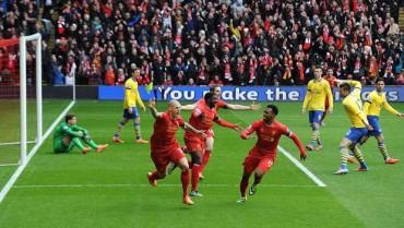 Liverpool destroza al Arsenal