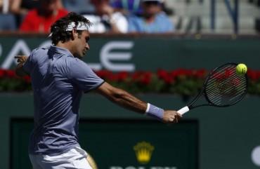 Roger Federer y Andy Murray avanzan ronda sin deslumbrar
