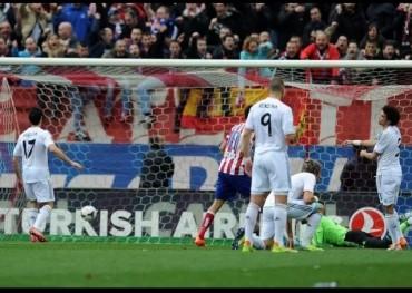 Cristiano salva el liderato del Madrid