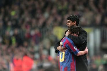 Rijkaard anuncia su retirada como técnico