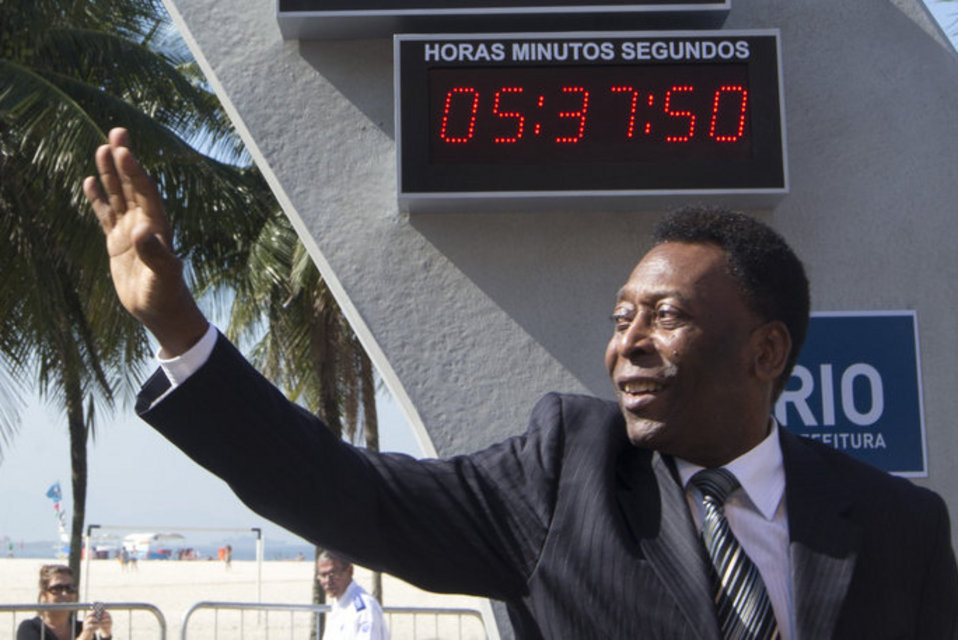 Brazilian-football-icon-Pele-w_54393722119_54115221152_960_640