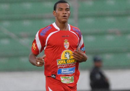 Rony Martínez casi asegura el liderato de goleo
