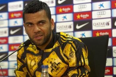 """Alves: """"Se venden como un país del primer mundo, pero en algunas cosas están muy atrasados"""""""