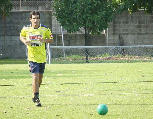 Claudio Cardozo podría jugar ante Parrillas One