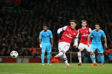Özil, en la cartera del Barça