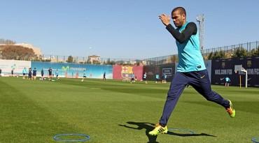 En Francia dan por hecho que Alves ha fichado por el PSG