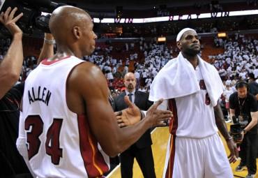 LeBron James deja a Miami a un paso de las Finales de la NBA
