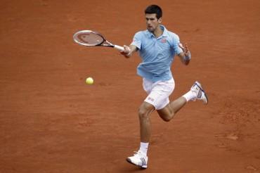 Djokovic y Federer resuelven sus partidos sin problemas