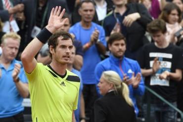 Andy Murray mejora en su juego y pasa frente a Matosevic