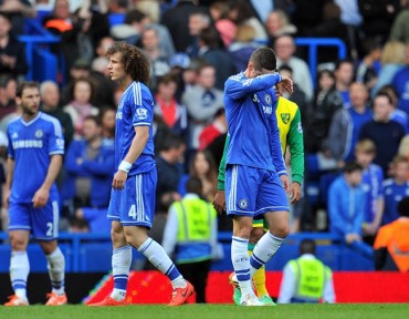Chelsea se aleja del título