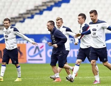 Deschamps: No vamos a forzar la recuperación de Ribery