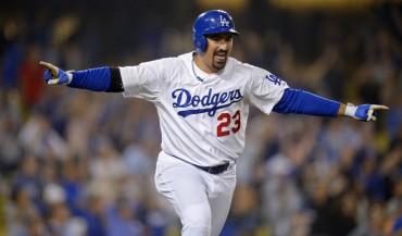 González luce en el triunfo de los Dodgers