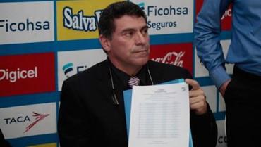 Luis Fernando Suárez, reveló el listado de los jugadores reservados
