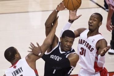 Los Nets ganan en Toronto y se clasifican para la siguiente ronda