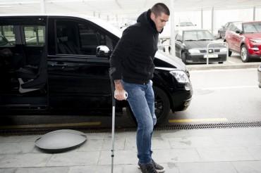 """Según su mujer, """"Valdés lo pasa muy mal, las muletas le están matando"""""""