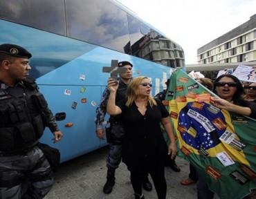 Asaltan el autobús de la selección brasileña