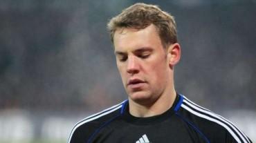 Preocupación en Alemania por el hombro de Manuel Neuer
