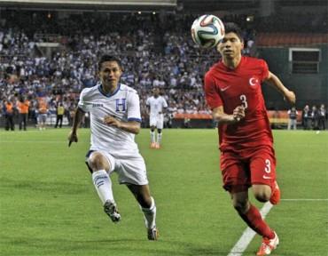 Honduras cae 2-0 ante Turquía en amistoso previo al Mundial