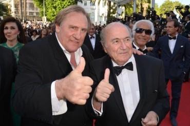 VIDEO: Una película sobre la FIFA llega a los cines