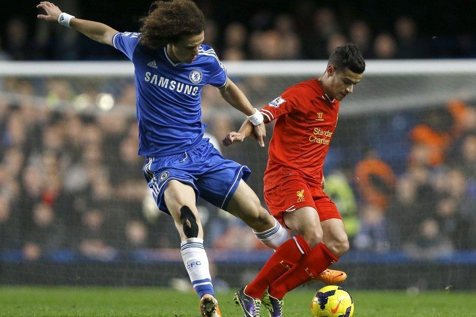 Chelsea-s-David-Luiz-left-vies_54407293117_54115221152_960_640