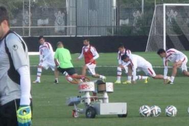 Irán entrena con un robot lanza-pelotas para poder frenar a Messi