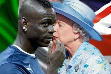 Mario Balotelli se pide un beso muy especial