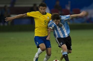 "Thiago Silva: ""A Messi solo lo paras con un revólver"""