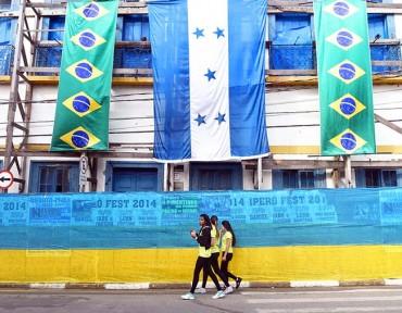 Nuestra bandera está por todas partes de Porto Feliz
