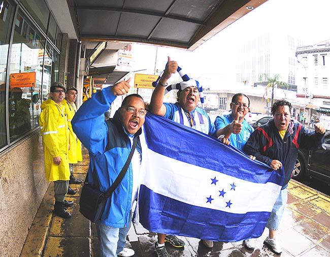 Franceses y Hondureños como hermanos