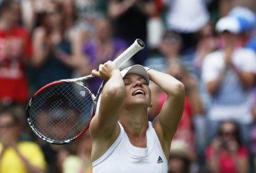 Halep y Bouchard avanzan a semifinales de Wimbledon