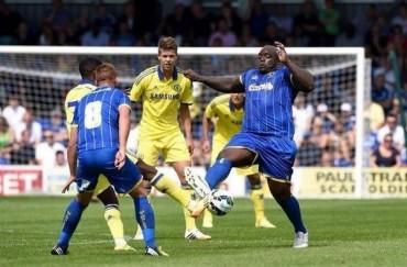 Adebayo Akinfenwa, el futbolista de 101 kgs