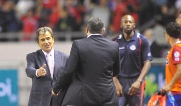Pinto comparte su éxito con Suárez