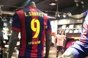 Ya se venden camisetas oficiales del Barça con el nombre de Suárez