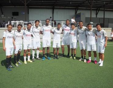 Olimpia y su grupo de jóvenes para afrontar el torneo de Apertura 2014/2015
