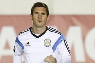 Lionel Messi y otras estrellas jugarán partido a petición del Papa