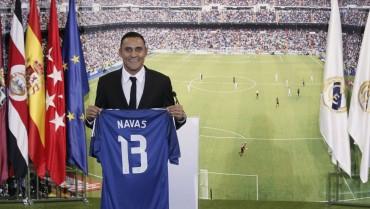 Keylor Navas fue presentado en el Santiago Bernabéu