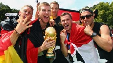 Mertesacker se retira de la selección alemana