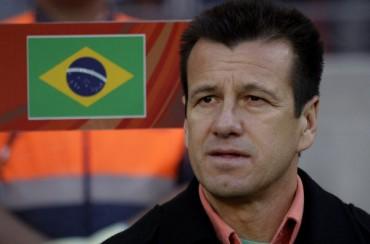Dunga convoca a Neymar y deja fuera a Alves