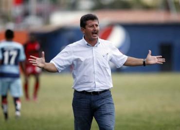 Mauro Reyes seguirá al frente del Real Sociedad