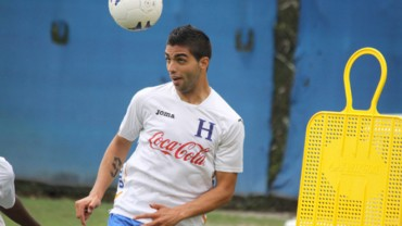 "Jona Mejía ya suda la camisa de la ""H"" en tierras Hondureñas"